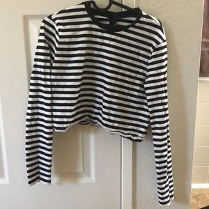 Cropped black and white striped long sleeve!